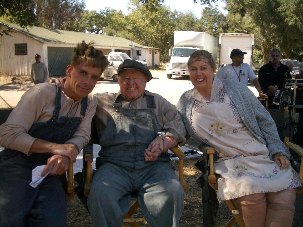 Ben Stiller, Mickey Rooney and Jan Rooney on the set filming Tropic Thunder